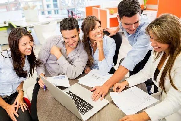 Бизнес не жалет переводить работников на 4-дневку