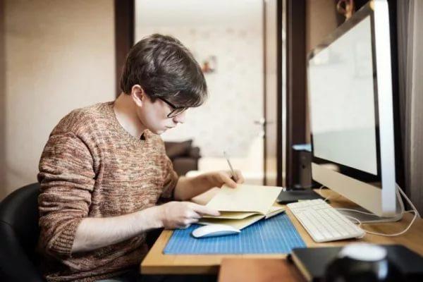 В России могут ограничить список профессий для самозанятых