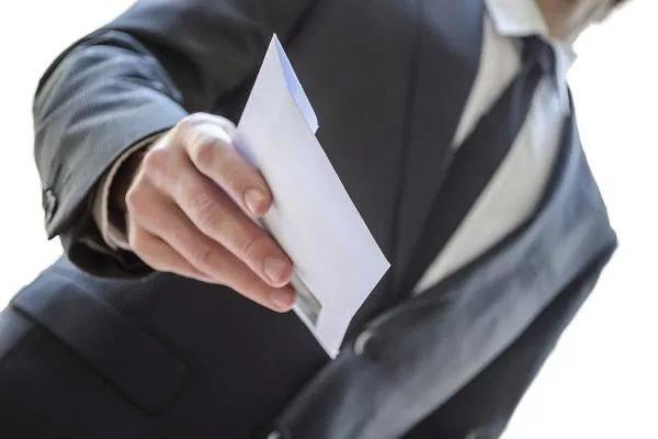 ФНС планирует вести борьбу с серыми зарплатами