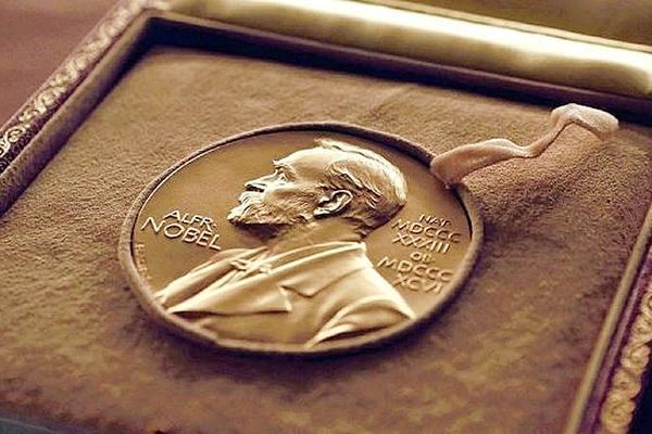 Премию памяти Нобеля вручили за экспериментальный подход к борьбе с бедностью