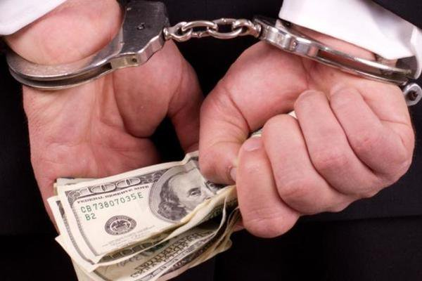 Вернувшихся в РФ с деньгами предпринимателей разрешили сажать