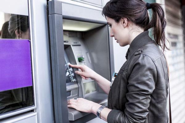 Россияне за месяц вывели из Сбербанка около 80 млрд рублей