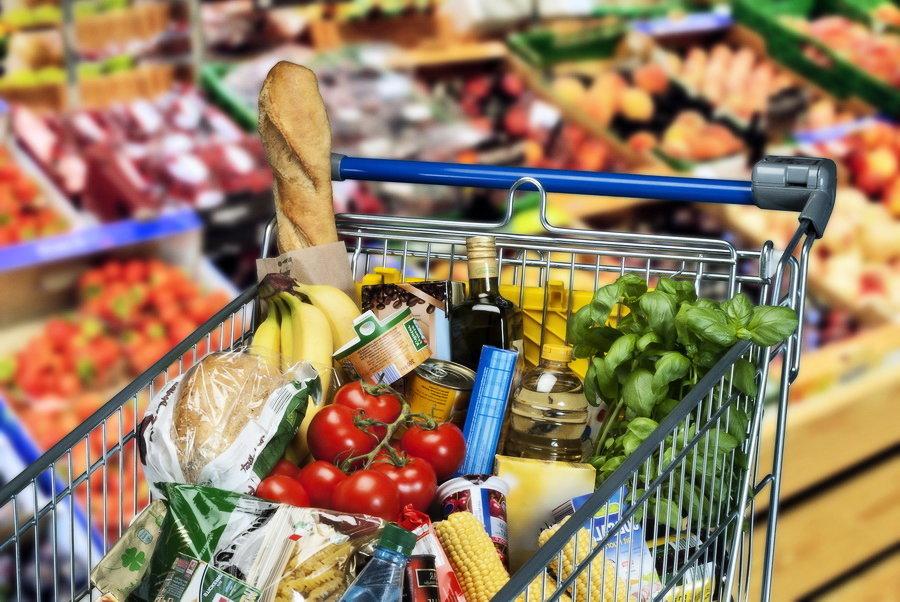 Жители России тратят на еду почти треть своего бюджета