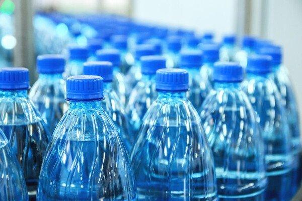 Эксперты сообщили о подделке до 80% питьевой воды в России