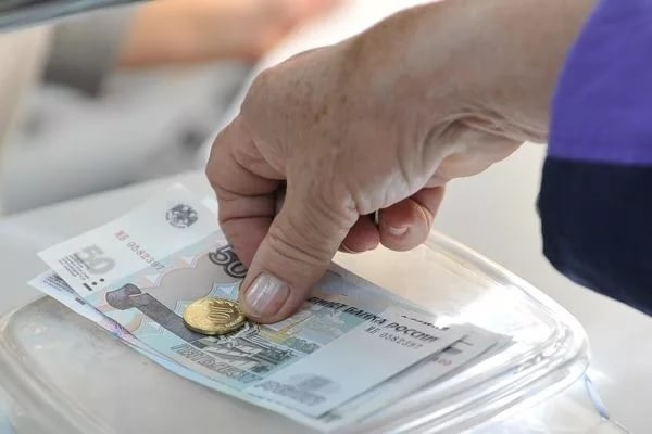Росстат: пенсии за год в России выросли на 6%