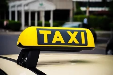Эксперты: такси в России обходится дешевле личного авто