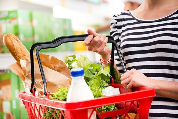 Росстат сообщил о падении потребительских цен впервые за два года