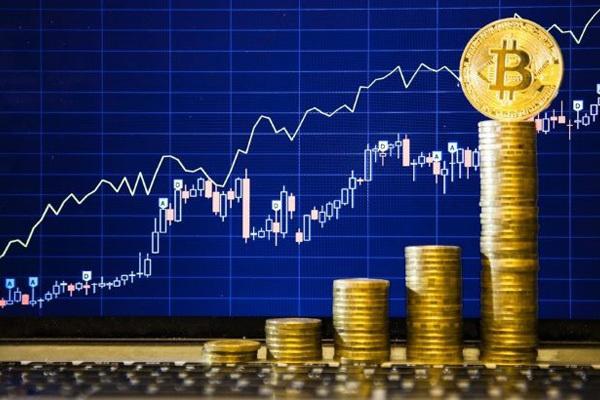 Bitcoin вновь поднялся в цене до 10 тыс. долларов