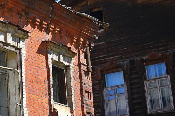 При исполнении программы переселения из ветхого жилья в Туве «потерялось» 600 млн рублей