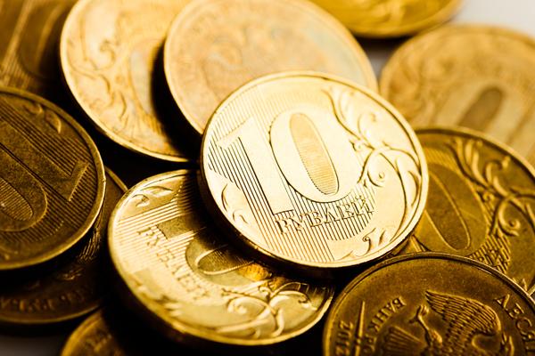 Эксперт рассказал о причинах падения рубля