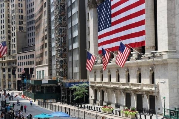 В Forbes рассказали, как весь мир может загнать Америку в рецессию