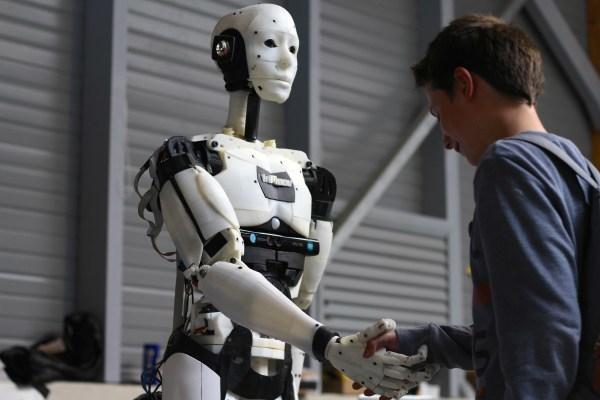 Эксперты: 20 млн россиян могут потерять работу из-за роботов