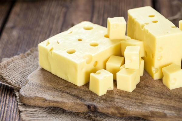 Эксперты назвали марку самого вкусного сыра в России