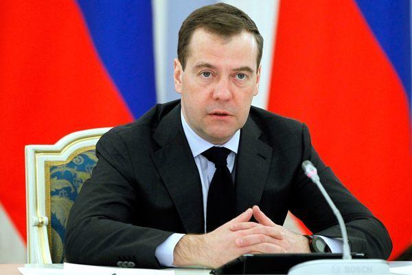 Премьер пообещал регионам России триллионы рублей