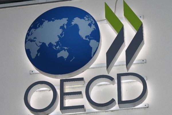 В ОЭСР ухудшили прогноз по экономике России