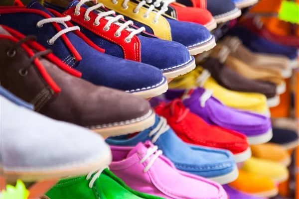 Производителей и поставщиков обуви обязали маркировать каждую пару
