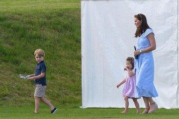 Кейт Миддлтон обула принца Джорджа в кеды от бюджетной марки
