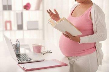 Пособия по беременности и родам в РФ повысят на 21 тысячу