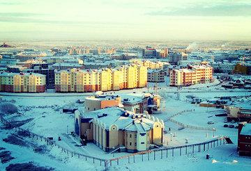 На Ямале бюджетникам пообещали 80% к зарплате с первого рабочего дня