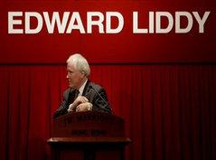 Лидди уходит, AIG реструктурируют